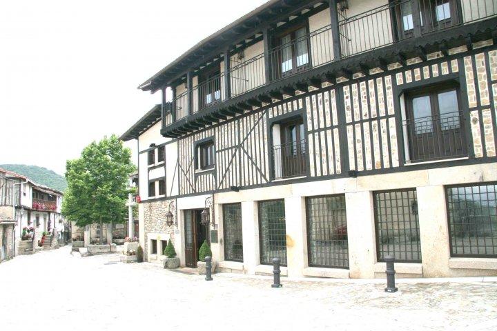 Routes of Iberian Ham boutique hotel slamanca
