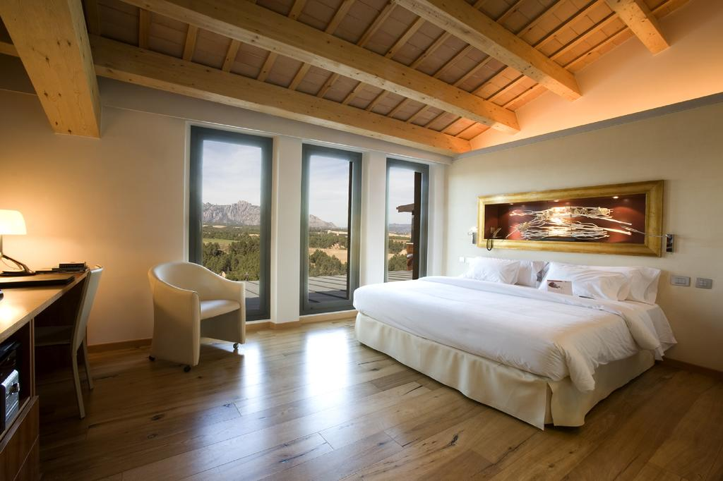 can bonastre wine tourism catalonia room