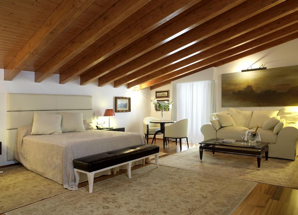 boutique hotels ibiza mirador dalt vila room