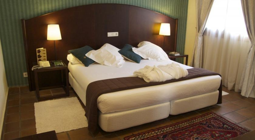 Weekend Getaways near Valencia estacio room